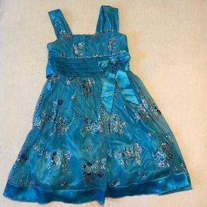 Girl's Fancy Dress in Size 7